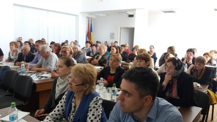 """Circa 70 de agenți economici au participat la seminarul """"Implementarea sistemului E-Achiziţii în Republica Moldova"""" organizat la Căușeni"""